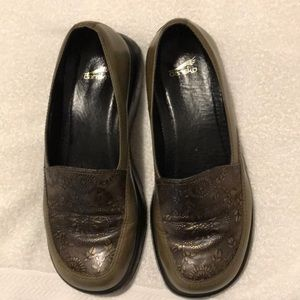 Dansko Woman's size 10 slip on loafers lot of wear